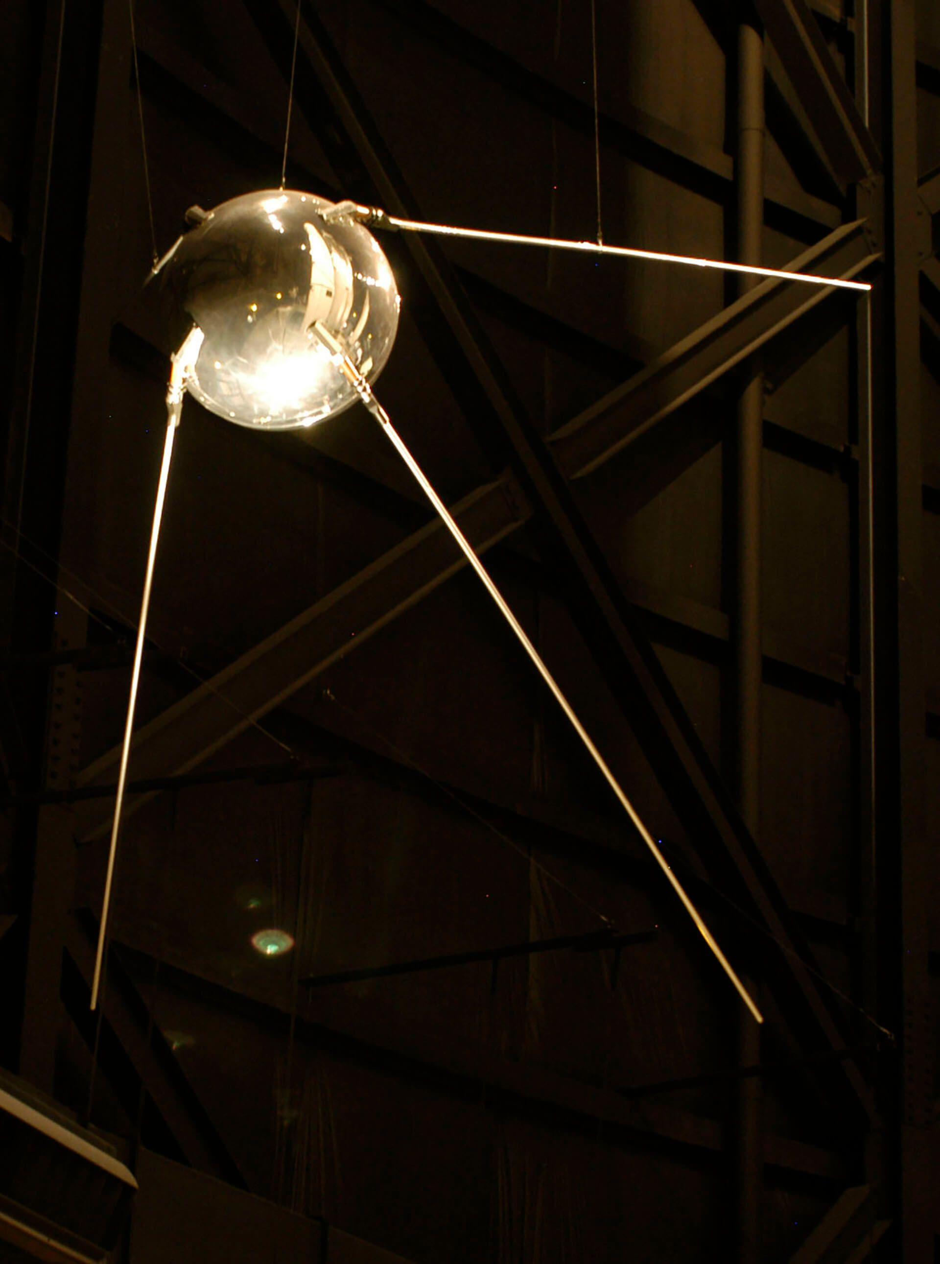 satelite soviético sputnik 1 carrera espacial